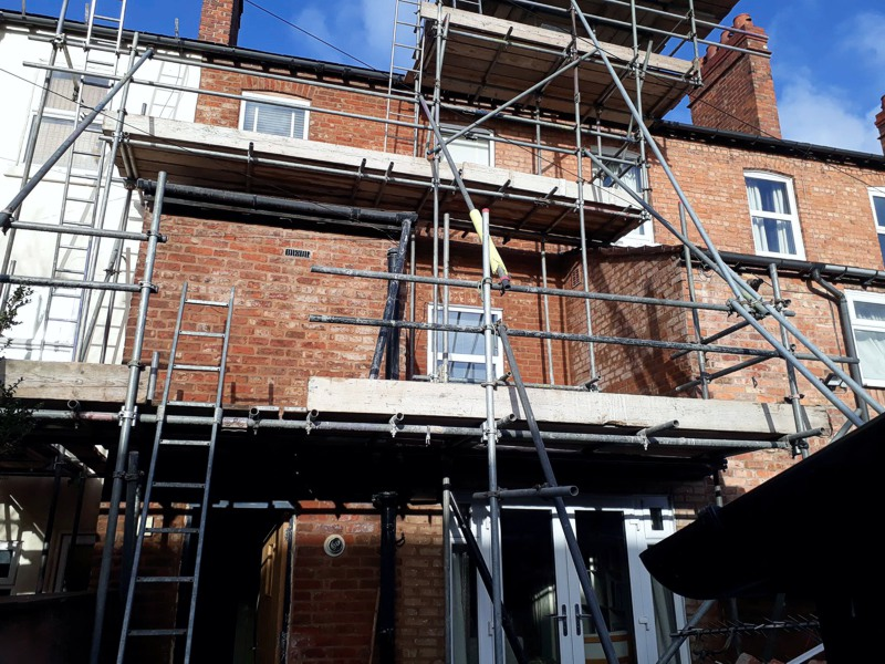 Walling repairs, brick replacement and pointing