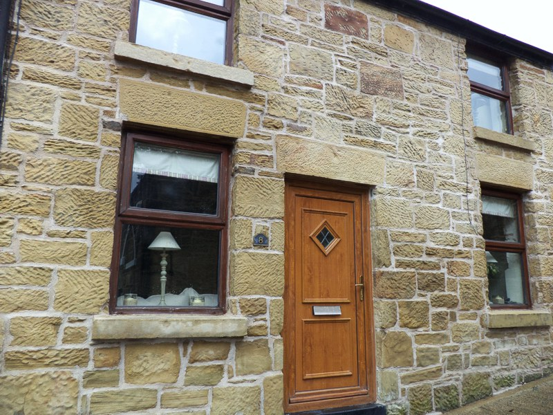 Lime pointing stone work